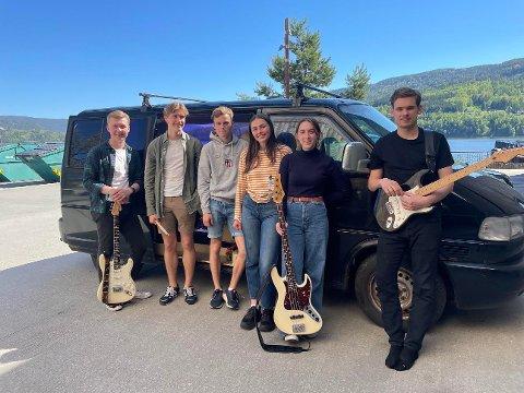 """BLUES: Bandet """"Oppkjøring"""" tok turen fra Skien til Juke Joint Studio på Notodden for å spille inn sin første coverlåt og musikkvideo som bluesband."""