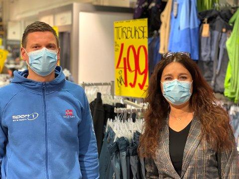 TUVEN: Dagligleder for Sport1, Anders Kasin, og senterleder Margit Bakken på Tuvensenteret gleder seg til de nye lokalene står klare i november.