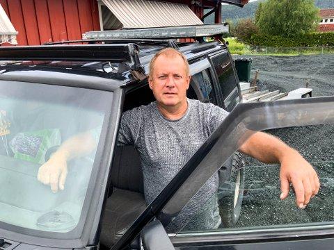 KRITISK: Vidar Skare var søndag førstemann på en ulykke. Han er kritisk til politiets responstid.