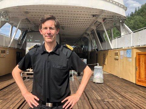 I GANG: Kaptein Tommy Leikanrud sørger for at turister får oppleve Storegut.