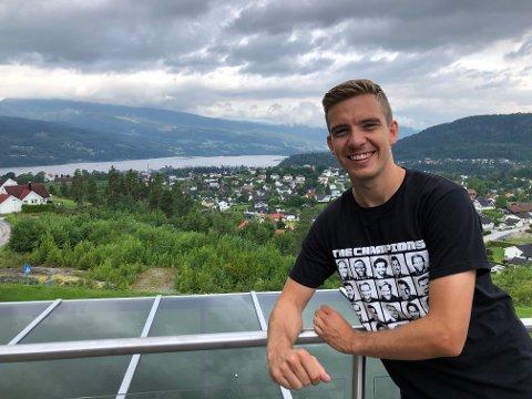 NOTODDEN: Henrik Gustavsen (29) trives godt på Notodden og er glad byen gir han en mulighet til å spille profesjonell fotball, samtidig som han studerer.