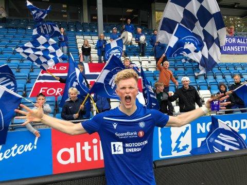 TO KJAPPE: Lynvingen Jørgen Voilås med det enorme rykket prikket inn to mål på 3:34 minutter. Det er trolig klubbrekord!