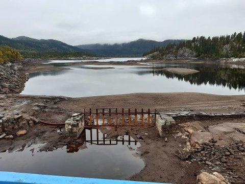 VANNSTAND: Bonsvann er kraftig nedtappet, men i følge Skagerak kraft har de fortsatt nesten fem meter å gå på i forhold til laveste regulerte vannstand.