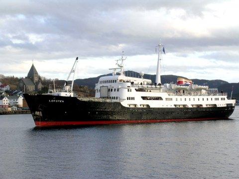 MS «Lofoten» kommer til Kristiansund på julaften, og blir værende i nordmørsbyen fram til stormen på Vestlandet har løyet.