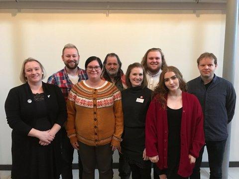 SV Møre og Romsdal sin delegasjon på landsmøtet: Yvonne Wold (fra venstre), Kim Thoresen-Vestre, Line Karlsvik, Skafti Helgason, Marit Aklestad, Ulv Karlsen Ottem, Rikke Sørdahl og Anders Lindbeck.