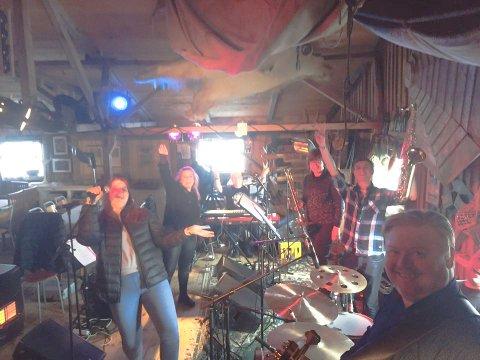 BRENNERIET: The midnight hour band har spilt flere ganger på Brenneriet på Veiholmen. Lørdag 3. mars er bandet på plass igjen.