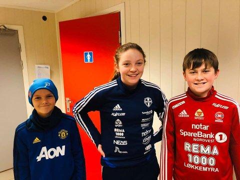 (F.v) Jonatan Lyngvær, Thea Oline Stokke Pedersen og Tobias Staffnes Tømmervåg var snartenkte og gjorde alt riktig da de oppdaget at det brant på ett av toalettene i KFK-hallen.