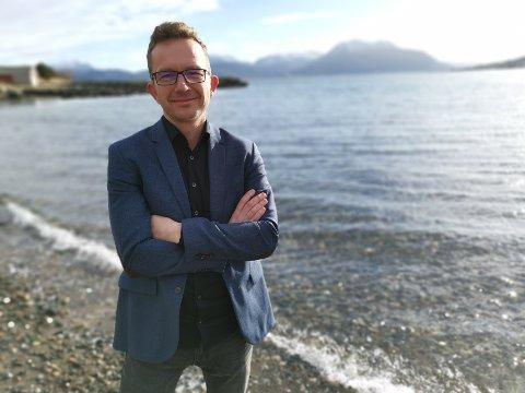 Carl Johansen (44) fra Sunndalsøra topper Miljøpartiet De Grønnes liste til fylkestingsvalget.