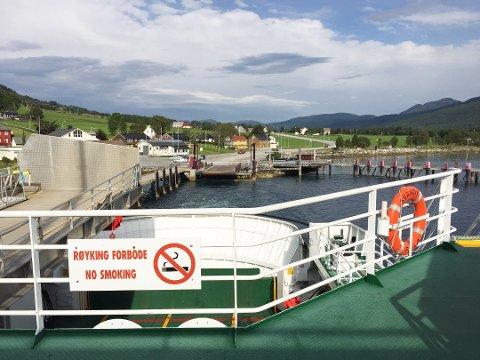 Tre rederier  har levert tilburd som gjelder drift av tre helelektriske ferger på sambandet Halsa – Kanestraum.