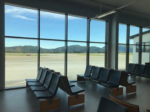 Det nye tilbygget ligger øst for den «vanlige» avgangshallen for innenlands flytrafikk.