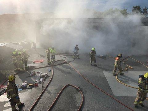 Brannvesenet i Averøy med storøvelse torsdag kveld.