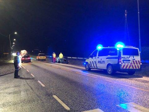 En bil havnet i grøfta på Rensvik lørdag kveld. Politiet har mistanke om at det dreier seg om kjøring i ruset tilstand.