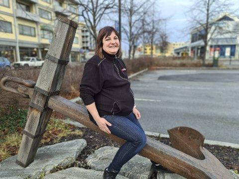 Glad mamma: – Vi trenger kjærlighet i livet, fastslår Natalija Petersone, som har termin på sitt tredje barn den 30. desember.