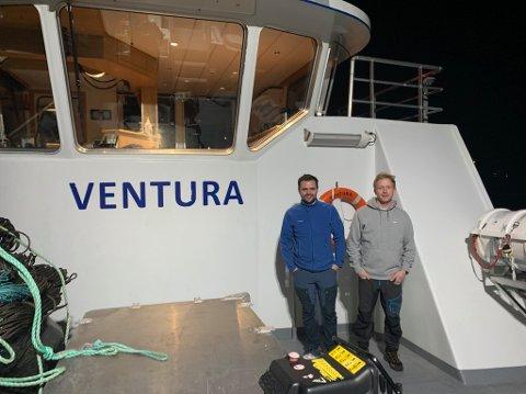 Mats Kleven (venstre) og Lars Molvik har gått til anskaffelse av båten «Ventura». Nå har den fått navnet «Brattholm», den skal ut på oppdrag for Kleven Marine allerede 1. januar.