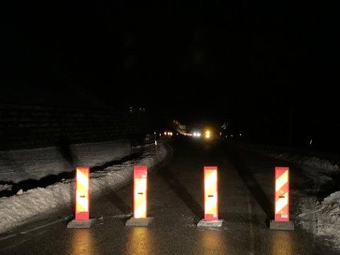 Rv 70 ved Fale i Sunndal er stengt.