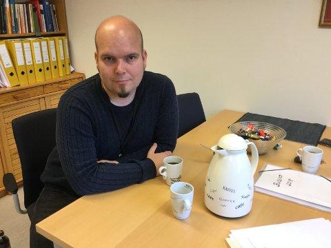 Svein Arild Eikemo er assisterende rådmann og beredskapskontakt i Gjemnes kommune. Lørdag ble reglene for opphold i kommunen betydelig skjerpet.
