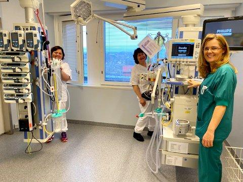 Sykehuset i Kristiansund kan øke antall intensivplasser i forbindelse med koronapandemien fra to til ni. Fra venstre Emilia Dunjic, Unni Grimstad og Marit Lihaug ved intensivavdelingen i Kristiansund.