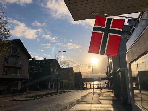 I Kristiansund var 17. mai-været en god blanding av vind, regn, sol og haglbyger. Slik som det ofte er på Nordmøre, tross alt.