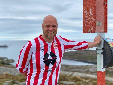 På toppen: Håkon Dretvik på toppen av Bremsneshatten.