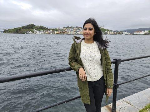 – Jeg har blitt så glad i Kristiansund og kristiansundere. Mamma og pappa pleide å snakke mye varmt om Kristiansund opp gjennom oppveksten, forteller Deepa Mathew Caoile.