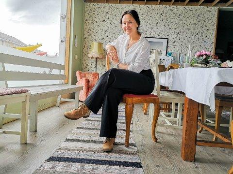 GERILJAKONTORET: Bunadsgeriljaen sitt hovedkvarter ser ganske likt ut som før, men ser du den store endringen for Anja Cecilie Solvik?