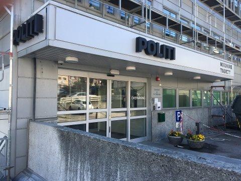 Spesialenheten har gjennomført avhør etter at en mann i 60-årene døde i politiarresten i Kristiansund tirsdag kveld.