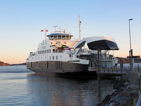 Nye «Smøla» sammen med søsterskipet «Møringen» representerer et stort løft innen det grønne skiftet i ferjefarten på Nordmøre.