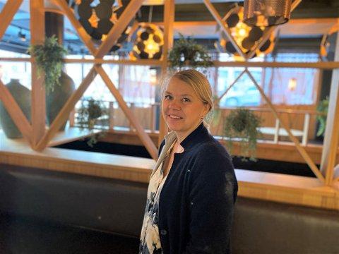 Eier og daglig leder av Sushi Bar Kristiansund sentrum, Grethe Jensen, er klar for å åpne restauranten igjen etter å ha holdt stengt på grunn av oppussing siden 4. januar.