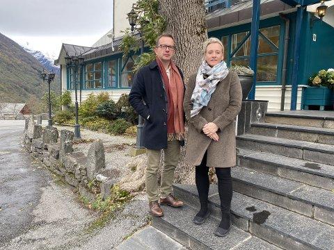 Gruppeledere for henholdsvis MDG og SV, Carl Johansen og Yvonne Wold, er skuffet over at fylkestingets ikke stemte for deres forslag.