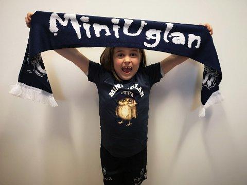 Fride Malén Grønseth gleder seg til å stå sammen med MiniUglan på neste hjemmekamp.
