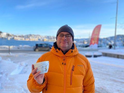 Roger Naas (47) var en av dem som hadde gått mer enn syv Stikk Ut-turer i fjor, og dermed kunne bestille seg en skål.