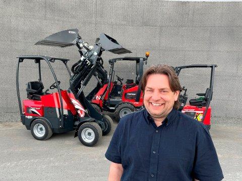 Torstein Hamnes er daglig leder/salgssjef i Sewe Maskin AS. Han ser fram til å komme i gang med salg av minilastere og annet utstyr.
