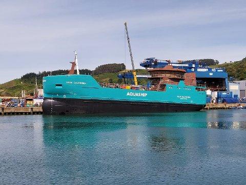 AquaShip med hovedkontor i Kristiansund, bygger kombinert bløgge- og brønnbåt i Spania.