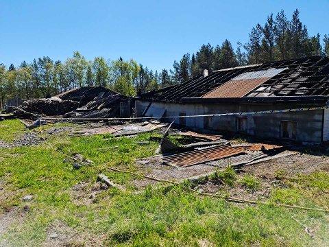 Den nedlagte kennelen som Jaroslaw Edward Bloch brukte som lager ble totalskadd i brannen som brøt ut fredag kveld.