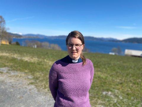 Ragnhild Annie Fuglseth (35) er prest i Eide og tillitsvalgt i Presteforeningen. Gjennom sin rolle som tillitsvalgt, er hun kjent med at flere av hennes kvinnelige kolleger har opplevd både uønskede kommentarer og fysiske tilnærminger på jobb.