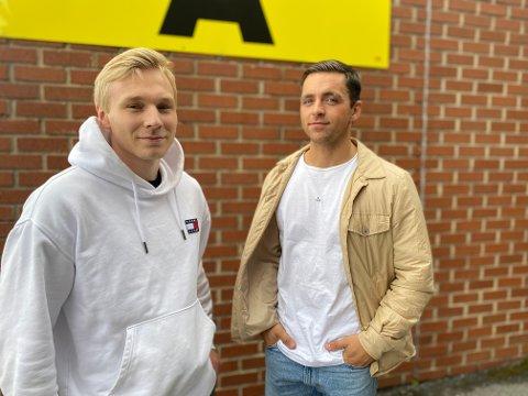 Jesper Langaas Løvik og Håkon Jacobsen Sogn har fått første vaksinedose. Det var etterlengtet for dem begge.