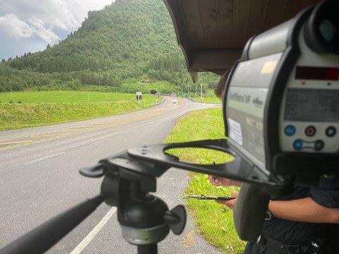 UP414 og UP fra Romsdalholdt to fartskontroller onsdag.