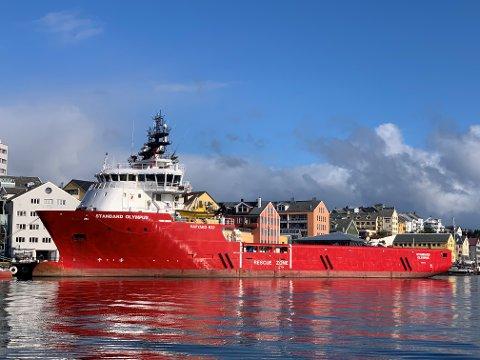 KJØPT: Skipet heter nå «Standard Olympus» men skal få navnet «Grip Explorer». Skipet har ankommet Kristiansund og blir liggende her noen dager før det går til verft for ombygging.