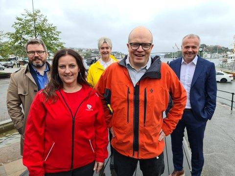 Stor optimisme rundt satsingen på nytt studietilbud i Kristiansund. Fra venstre: Roland Mauseth, Berit Tønnesen, Tove-Lise Torve, Per Vidar Kjølmoen og Kjell Neergaard.