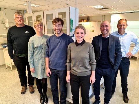 GC Rieber VivoMega lanserer satsing på ny fabrikk i Kristiansund. Fra venstre: Oskar Middel, Kristi Aarak, Dag Eirik Ramsøy, Bente Jeanette Foss, Yngve Kruse og Jan Roger Bjerkestrand.