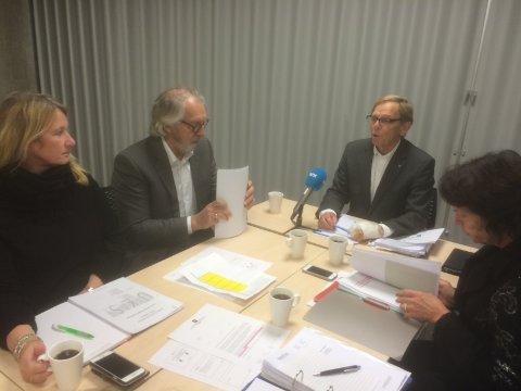 HELT ENIGE: (F.v.) Høyres Monica Hofer Hagen, varaordfører Carl-erik GriMstad, Nøtterøy-ordfører Roar Jonstang og rådmann Christine Norum er helt enige, det nye kommunenavnet bør være Færder.