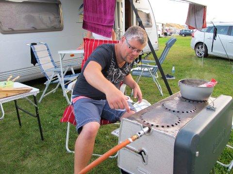 REISENDE: Om sommeren reiser Pål André Wigart rundt i campingvogn.