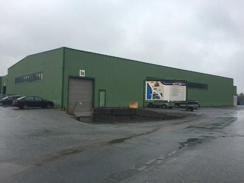 ARBEIDSULYKKE: En mann skal være skadet etter en arbeidsulykke på Hegdal industriområde i Larvik mandag ettermiddag.