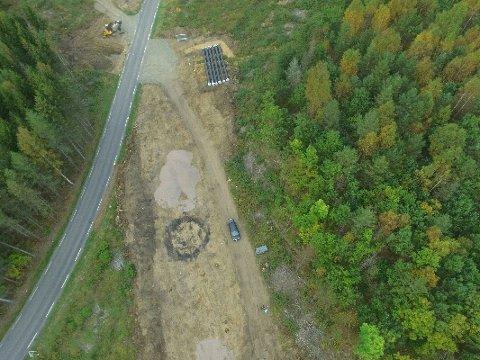 KULLMILE: Turgåere trodde den runde formasjonen var rester etter en grav, men det viste seg å være en kullmile.
