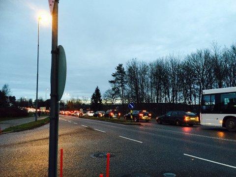KØ: Bypakke Tønsberg-regionen ønsker å se færre biler på veiene , men flere gående og syklende.