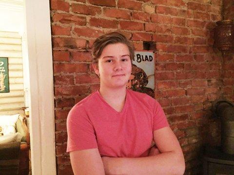 ETTERLYSER KONVOLUTT: Michael Hansen-Firing (15) håper noen ærlige har funnet konvolutten han mistet med alle pengene han fikk i julegave.