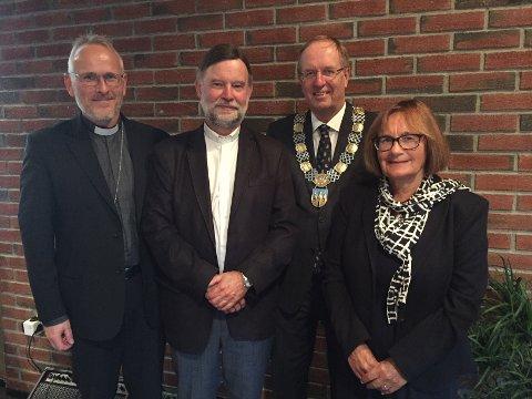 YNGVE SLUTTER: Fra venstre domprost Kjetil Haga, sokneprest Yngve Sagedal, ordfører Petter Berg og menighetsrådets leder Inger Hillestad.
