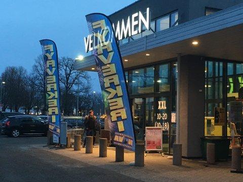 FYRVERKERI: XXL Tønsberg er én av 15 virksomheter som har fått tillatelse til å selge fyrverkeri i år.
