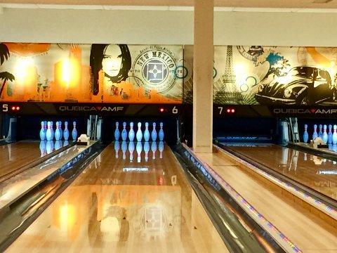 AVSLAPPET: Bowling, bading og sosial omgang med venner er aktiviteter dudeismen hyller.