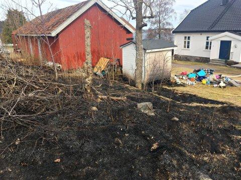 BRANNSKADD: En lekestue ble brannskadd da det blusset opp i Husvikveien.